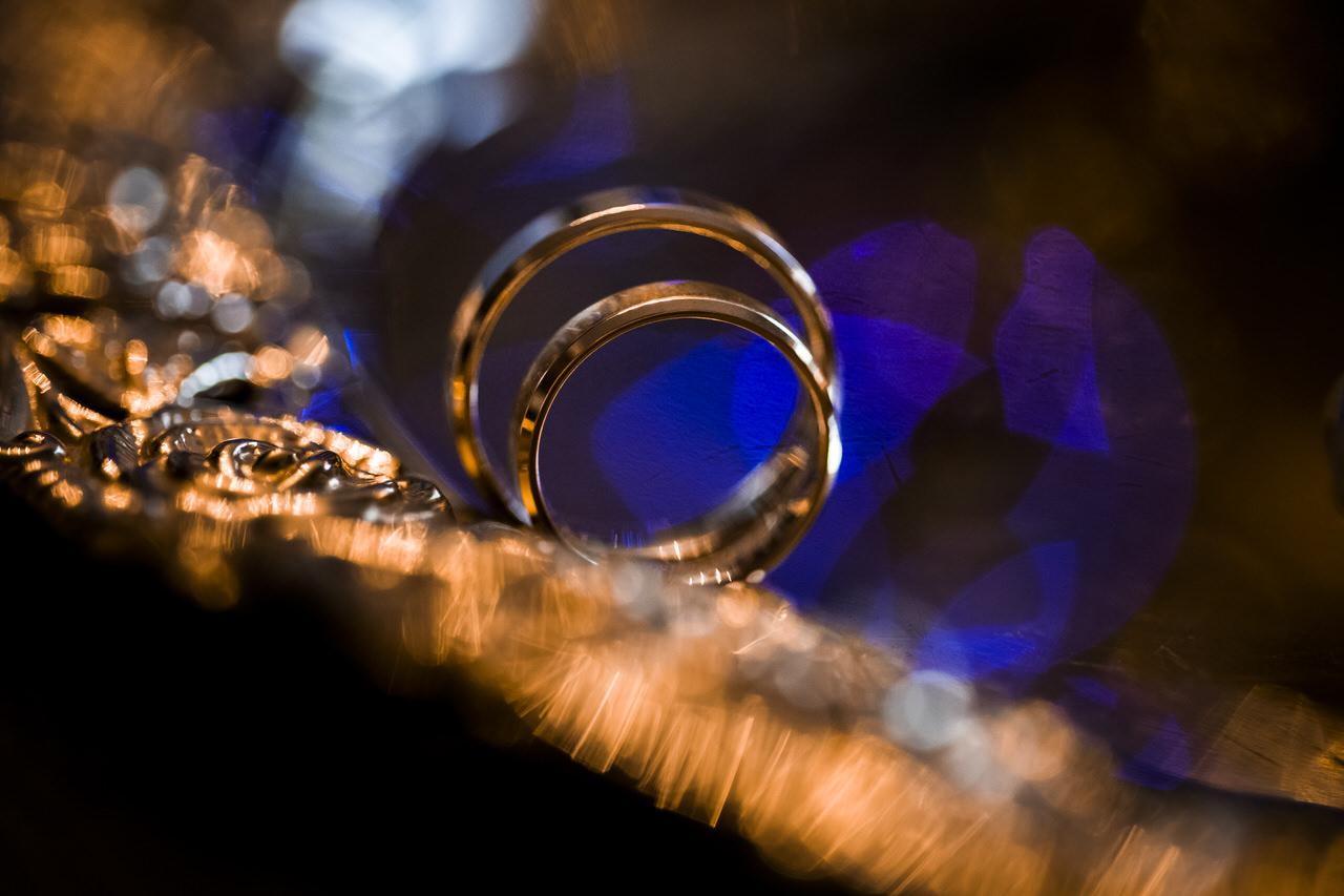 makrofotografia obrączek ślubnych